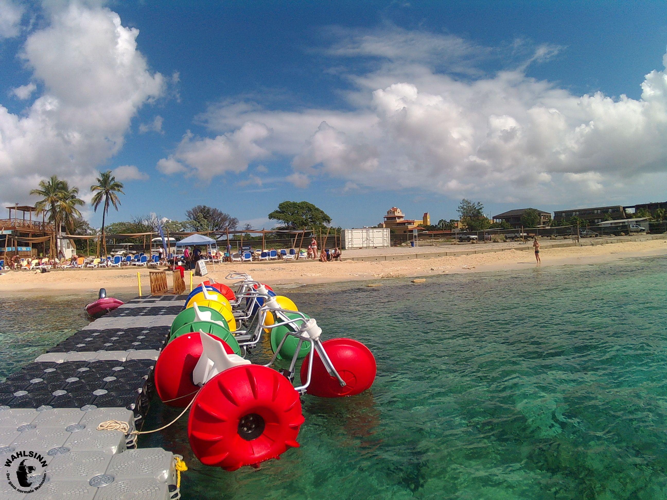 Bonaire - Wasserfahrzeuge jeglicher Art gibt es hier. Alles rund ums Wasser, das ist hier das Motto auf Bonaire