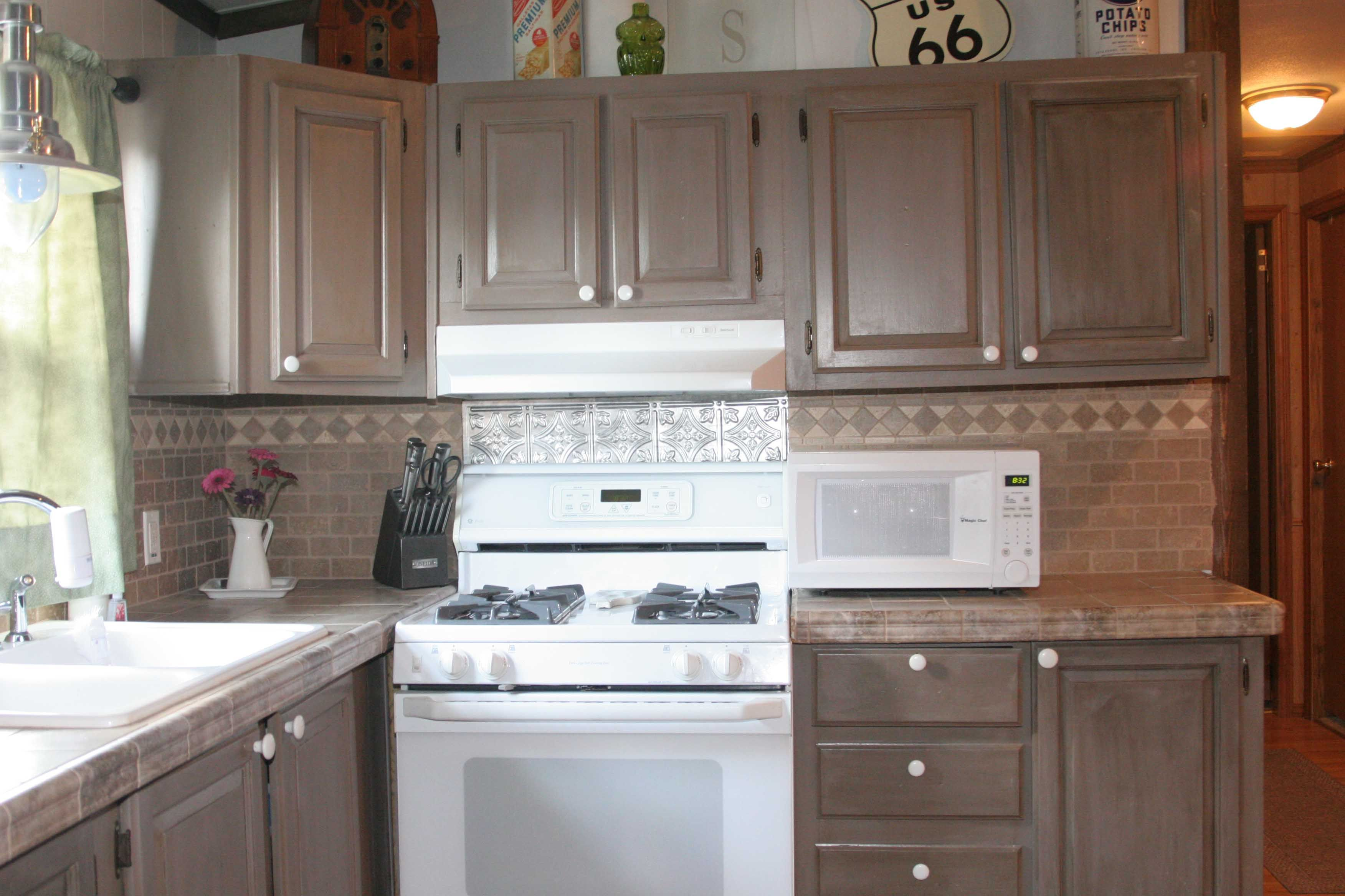 or do i like the federal gray testimonial gallery rust On kitchen cabinet transformation