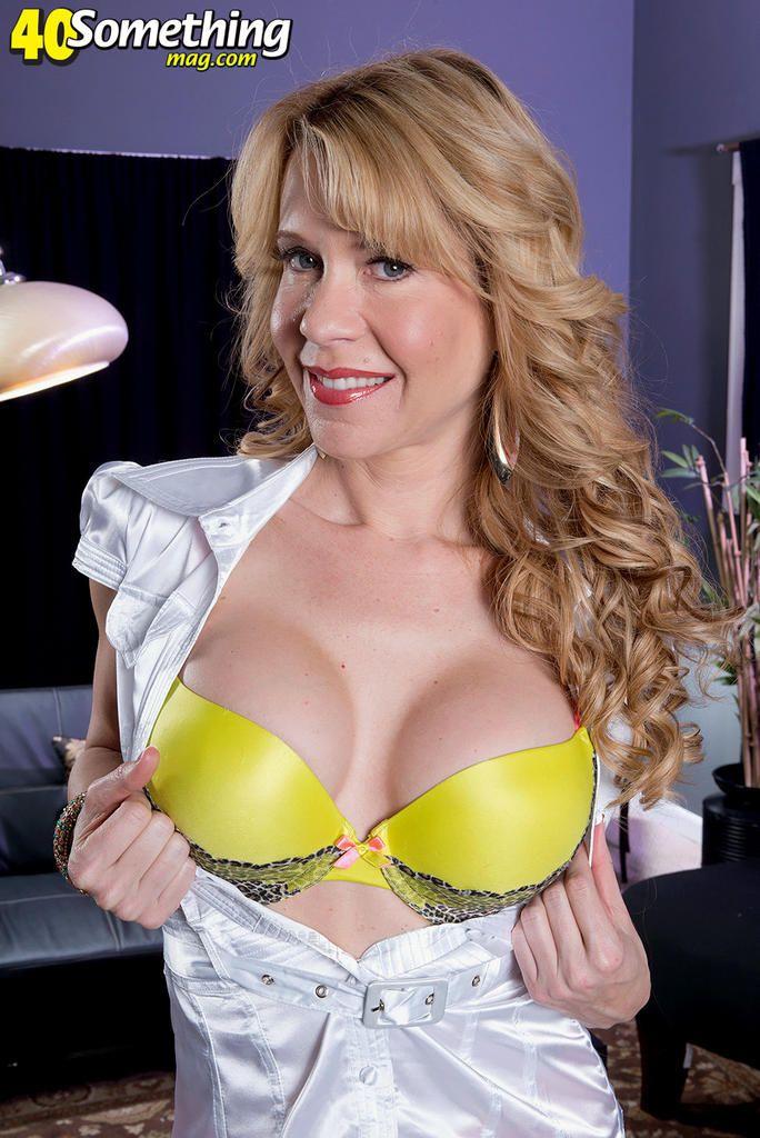 Angela bassetts tits