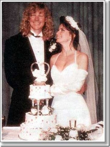 Shania Twain And Mutt Lange The Country Songstress The Rock Producer It Looked Perf Celebrity Wedding Photos Celebrity Weddings Celebrity Wedding Dresses