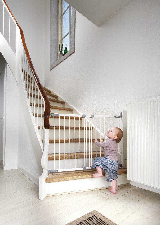 BabyDan Flexifit Wooden Safety Gate White