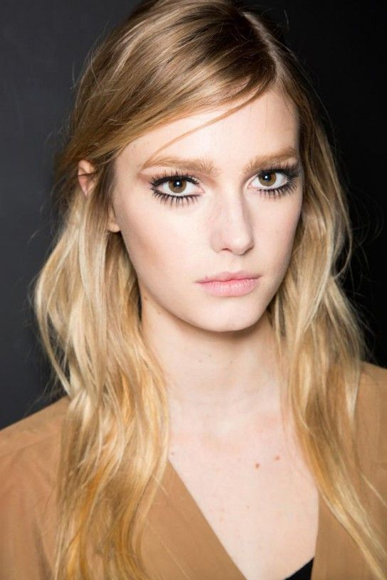 exaggerated lashes and rumpled, side-swept hair @ Gucci a/w '14