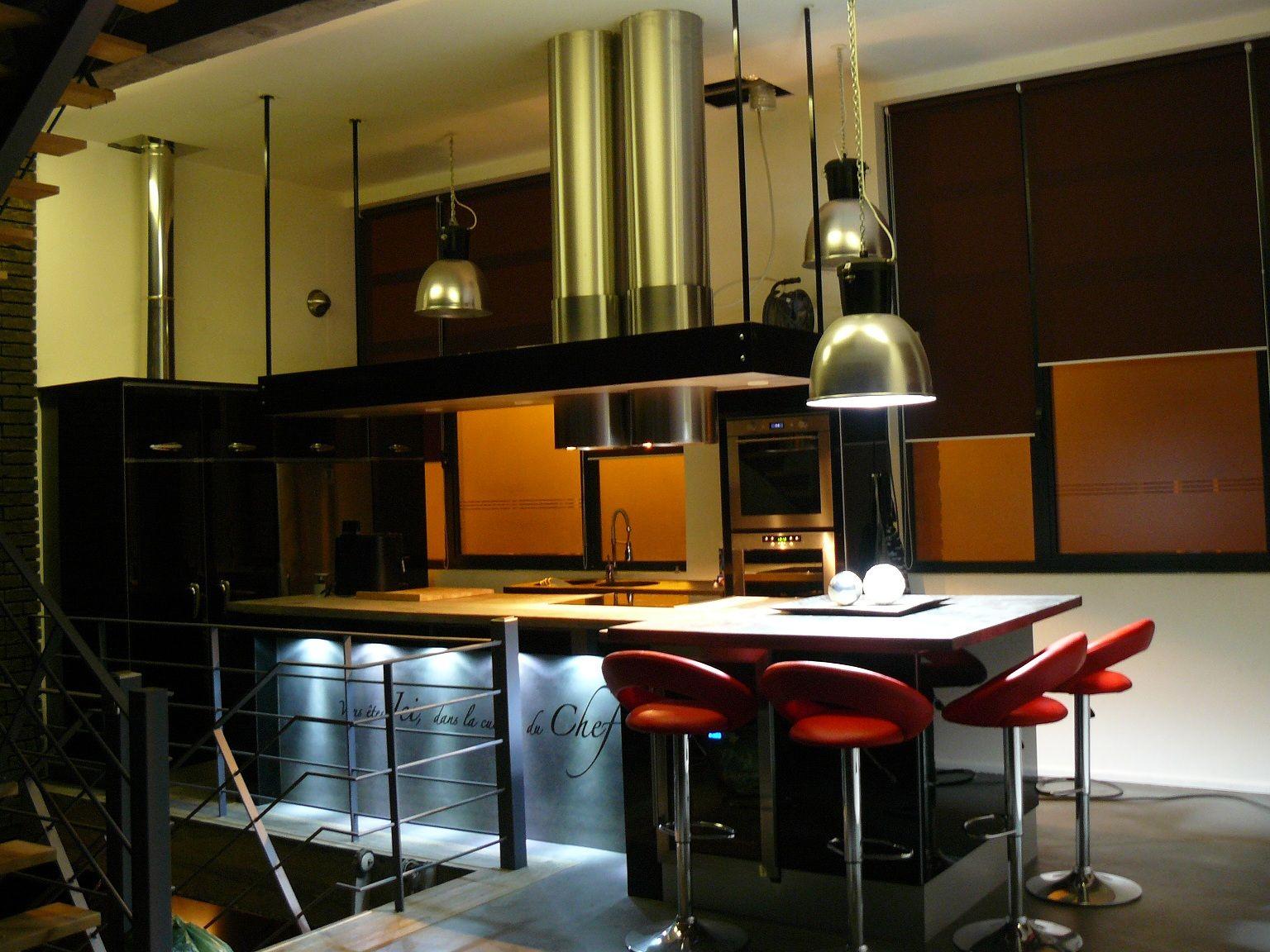 Îlot de cuisine grand format 4m x 1m50.  small island of kitchen
