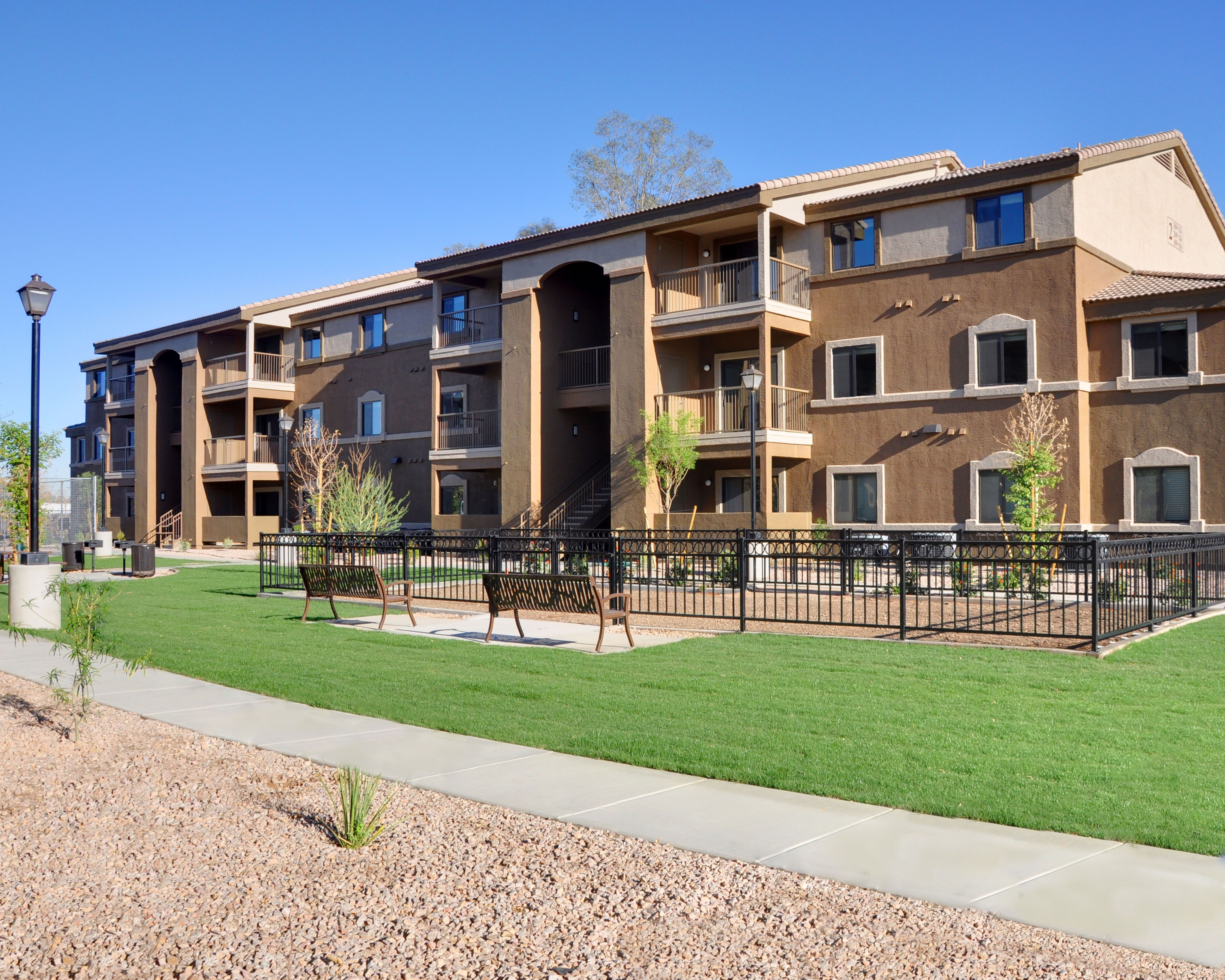 47 Units Smoke Free Affordable Multi Family Housing In Phoenix Az Family House Building Design Low Income Housing