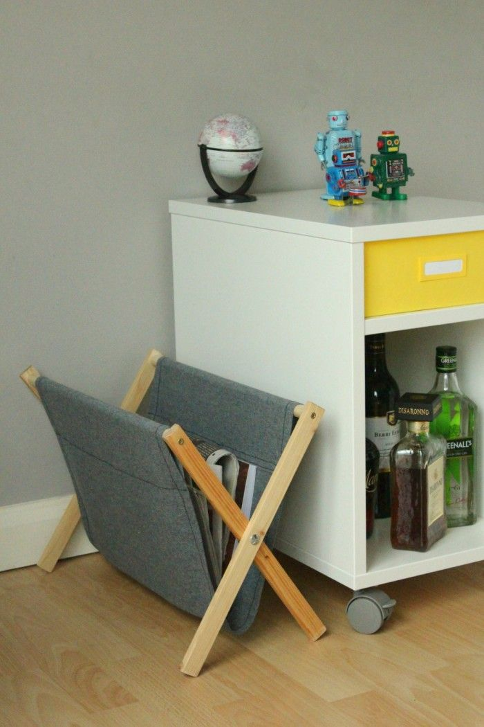 How To Make A Simple Rustic Folding Magazine Rack From Wood And Fabric Diy Magazine Holder Magazine Holders Home Decor