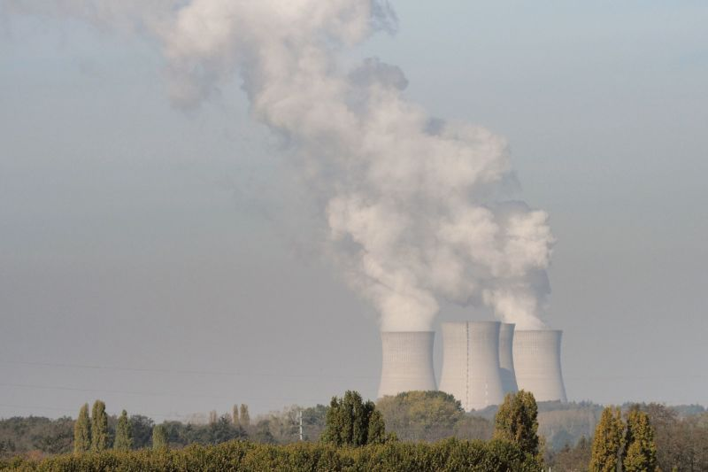 France To Retire 14 Nuclear Reactors While Japan Restarts 5 Of Its