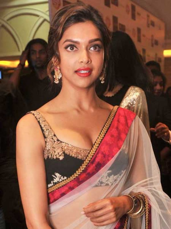 """8042290625 Deepika Padukone: Fashion designer Aniket Satam says, """"A plunging neckline  suits only those with a perfect neck. Very deep necklines tend to look  vulgar."""