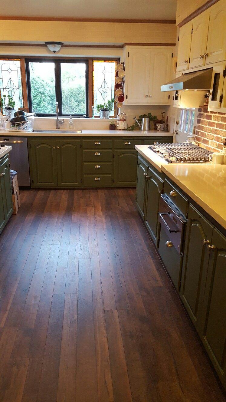 farmhouse kitchen silestone daria quartz countertop distressed flooring painted kitchen on farmhouse kitchen flooring id=73164