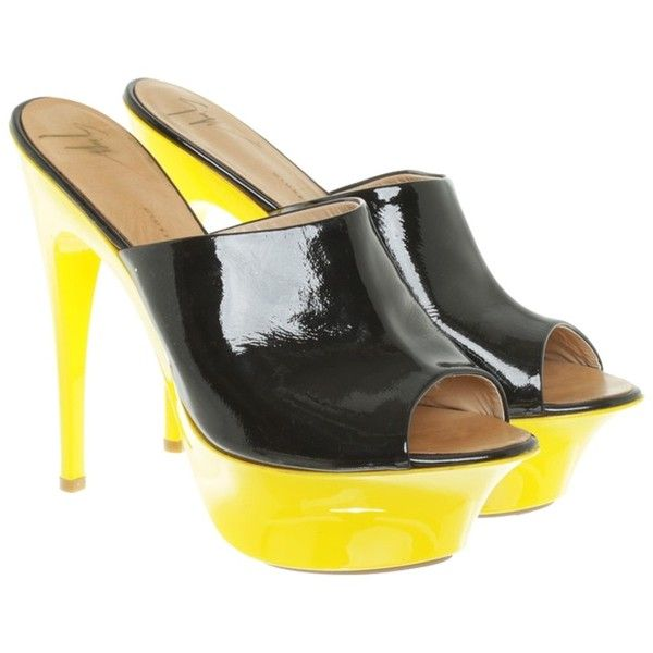 Pre-owned Peep-toes with yellow plateau ($255) ❤ liked on Polyvore featuring shoes, pumps, black, black yellow shoes, peeptoe shoes, giuseppe zanotti pumps, peep toe shoes and yellow peep toe shoes
