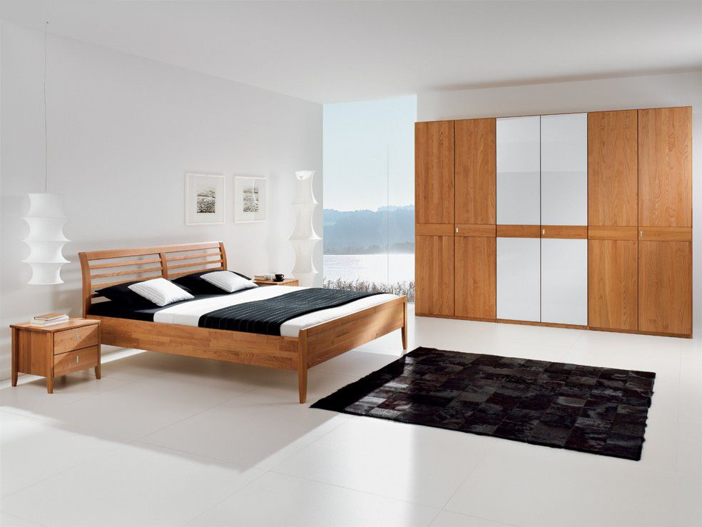 Schlafzimmer | Kleiderschrank | Doppelbett | Nachttische | Erle ...