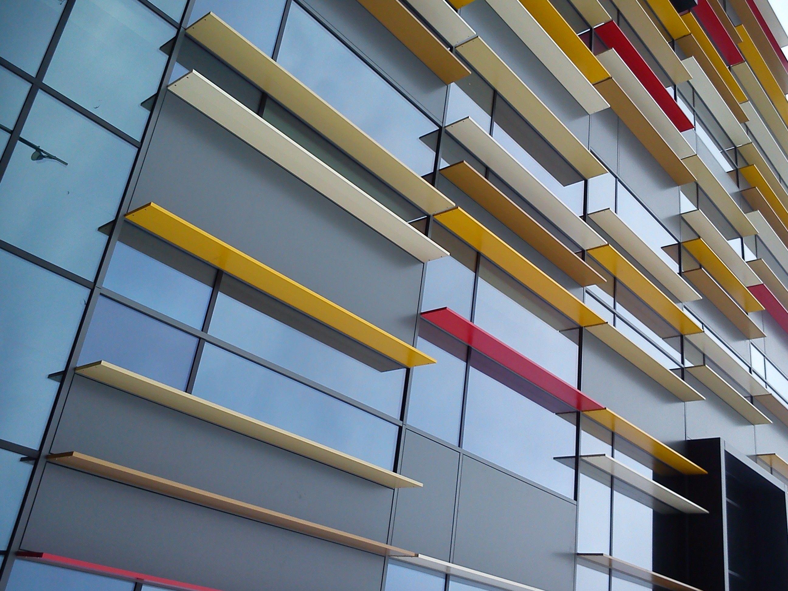 Colourfulled building ufficio