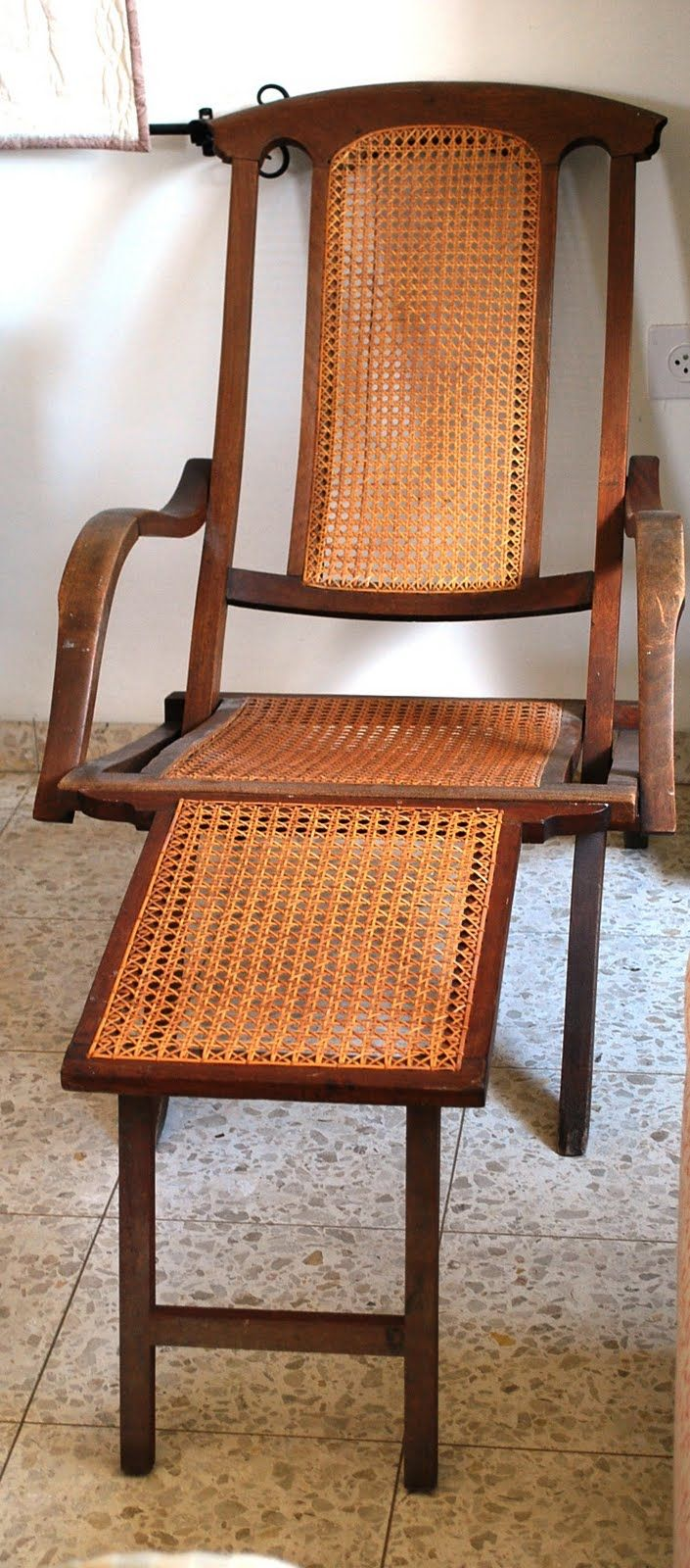 vintage steamer chair Old Wooden Chairs, Antique Chairs, Amelia Peabody,  British Colonial Style - Vintage Steamer Chair Sit-A-Spell Pinterest Campaign Furniture