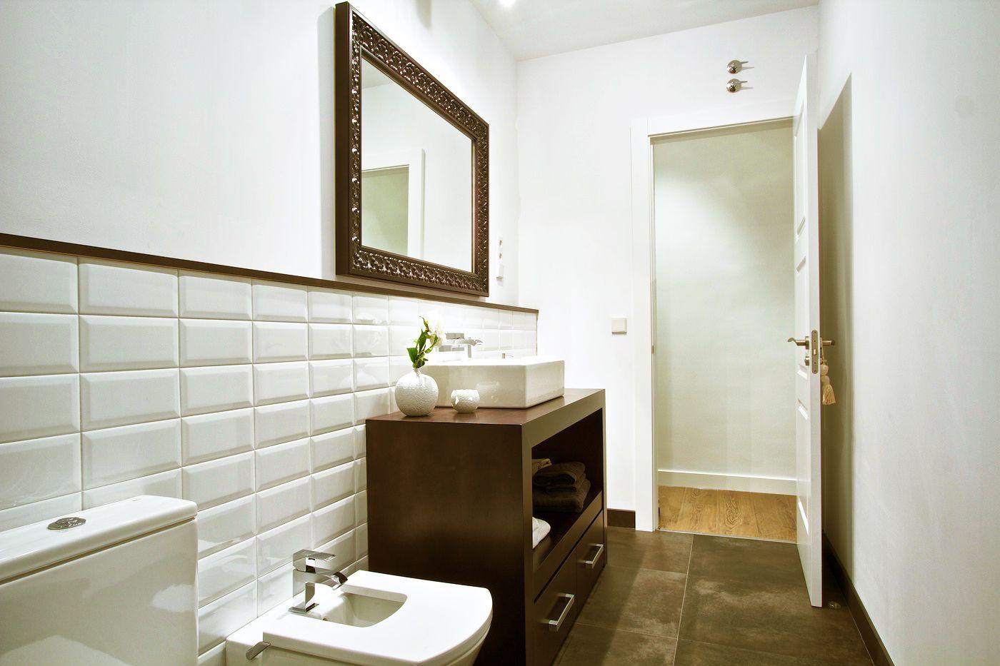azulejo tipo metro en baños pequeños | Ideas para Baños | Pinterest ...