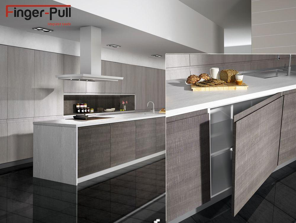 Muebles de cocina con puertas de tirador integrado for Muebles de cocina kitchen