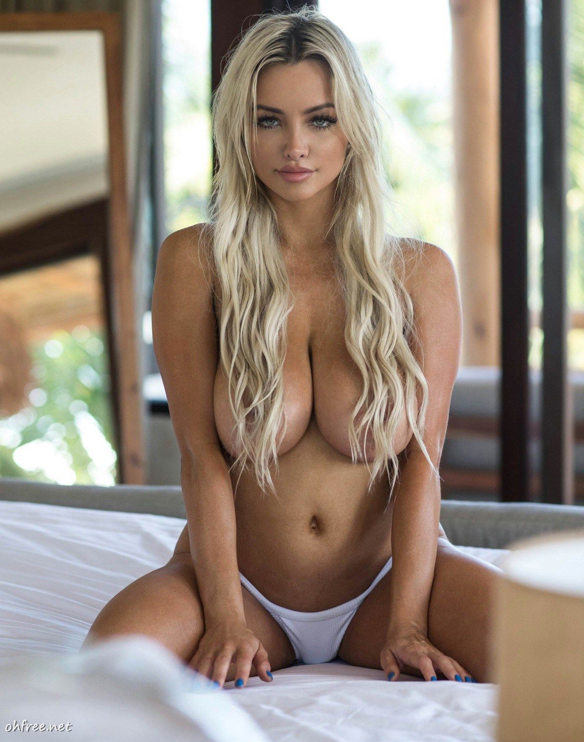 Lindsey Pelas Naked Pics The Fappening Leaked Photos