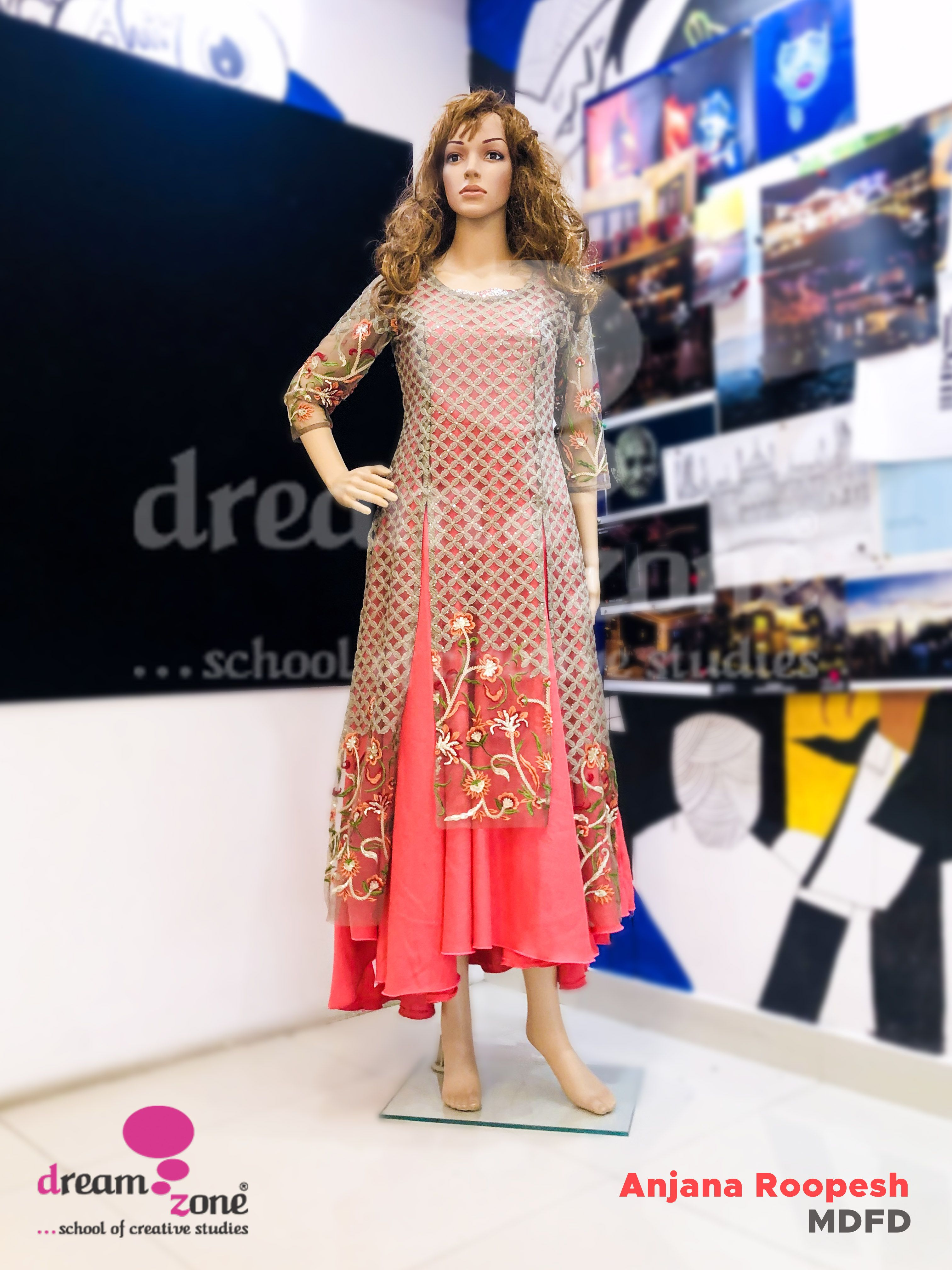 Dreamzone S School Of Fashion Design Engages Students In The Creative Science Of Aligning With Images Fashion Designing Course Diploma In Fashion Designing Fashion Design