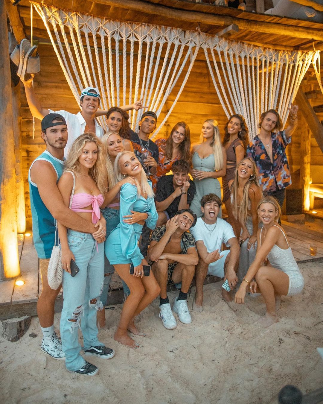 Many Talent Agencies Are Forming Tiktok Houses Throughout La These Huge Companies Recruit Big Tiktok Stars Rent Out A Travel Fun Club House Celebrity Houses