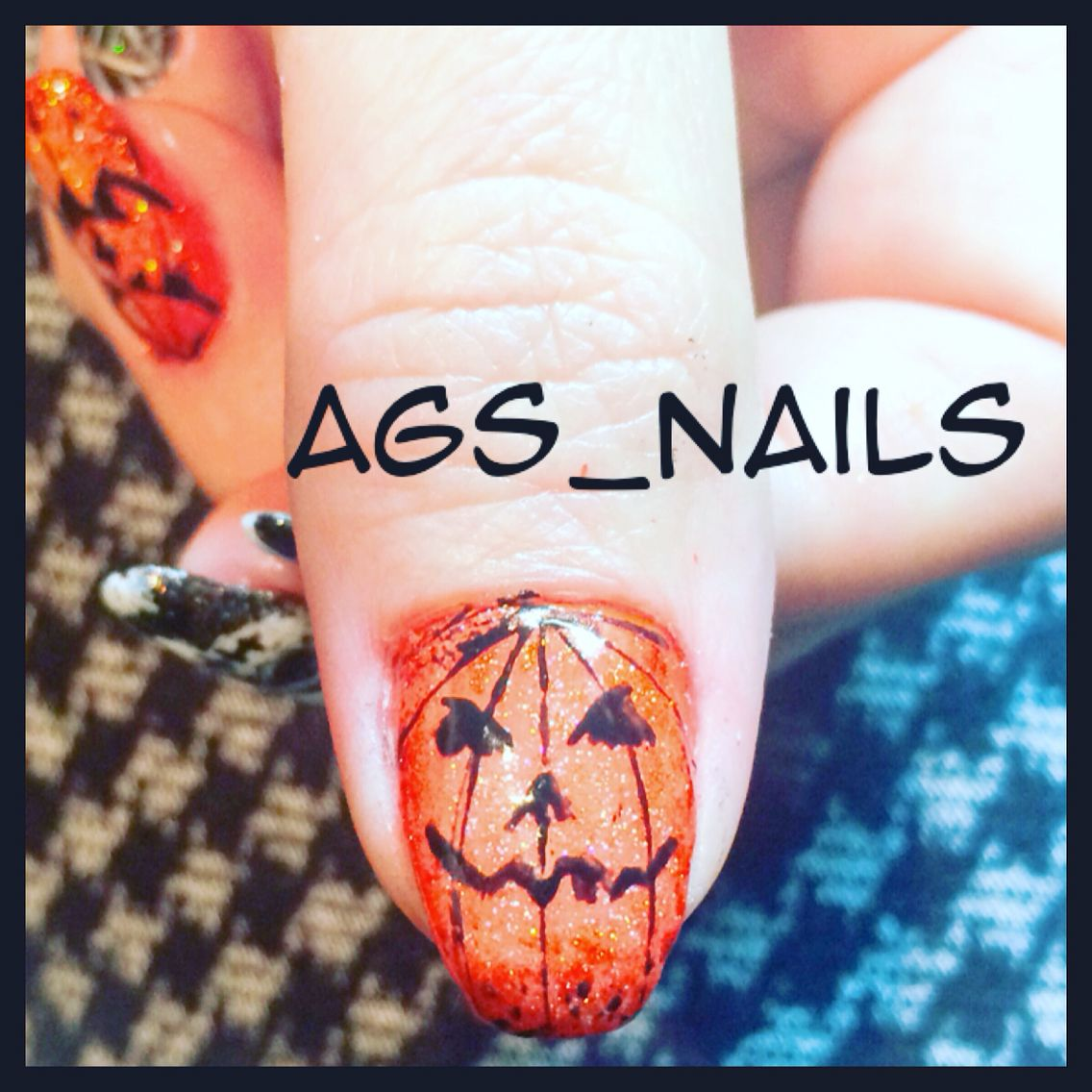 Halloween nails done with Akzénts gels | How to do nails ...