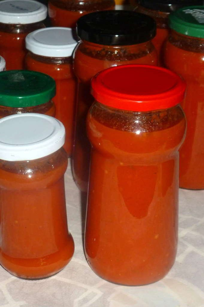 Conserves De Coulis De Tomates Fait Maison Chez Vanda Coulis De Tomate Conserves De Tomates Recette A Base De Tomates