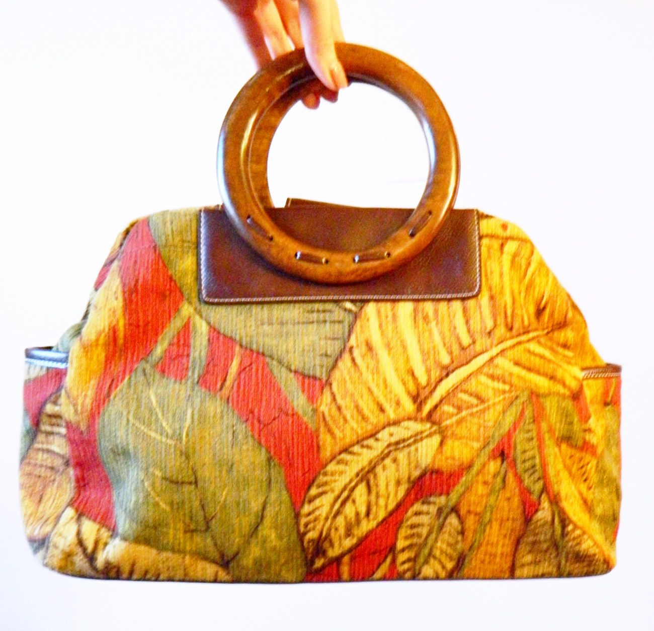 Vintage Rainforest Tropical Purse / Retro Banana Leaf Bag / 90s Tropical Handbag with Wood Handles by thehappyforest on Etsy