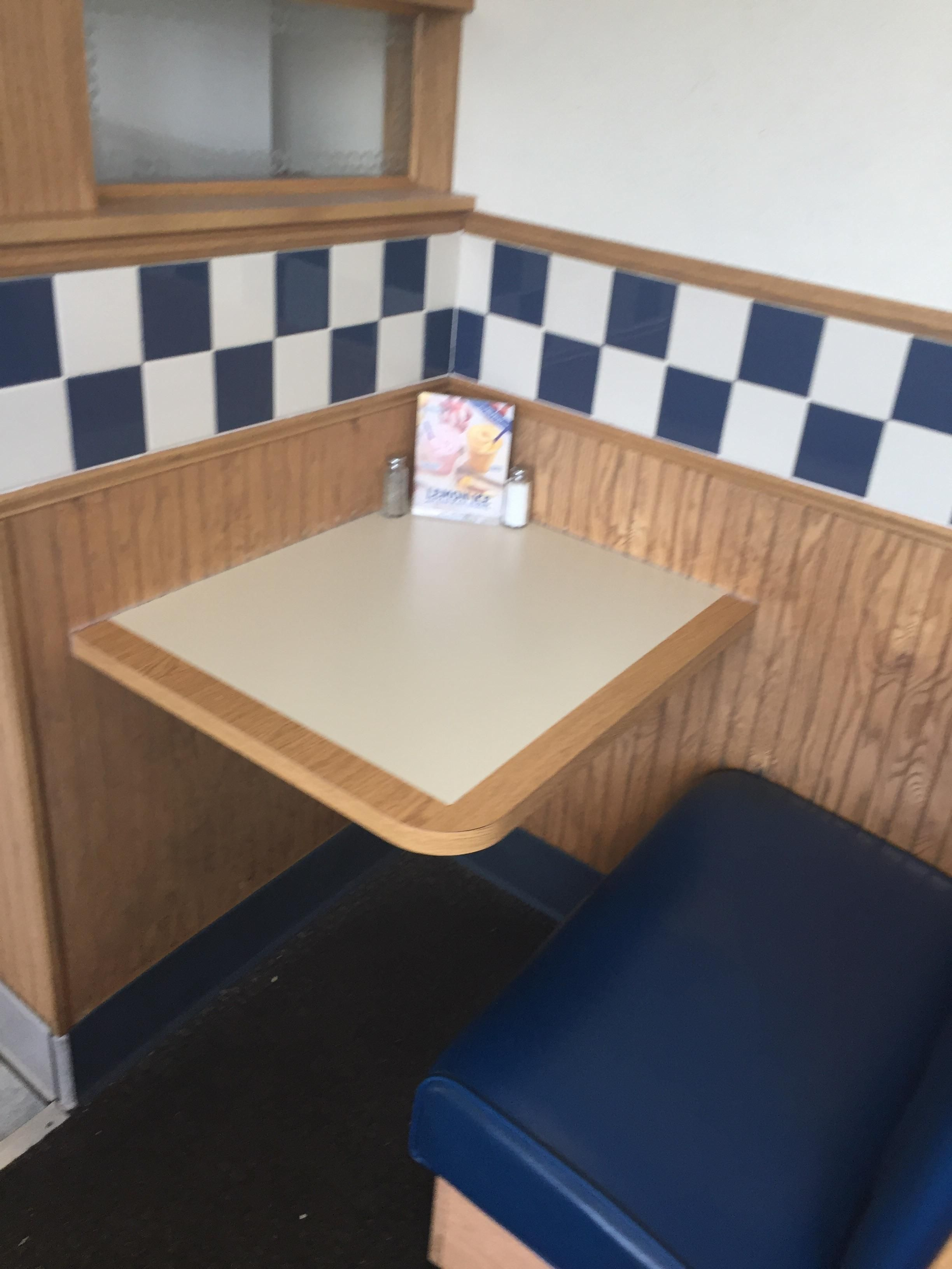 This single person dining booth.