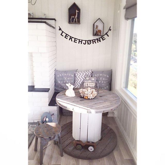 Ø i stua!!  #interiør #kabeltrommelbord #diy #lekehjørnet #interior #lykkepålandet #home #toys #livingroom #skandinaviskehjem #scandinavianliving
