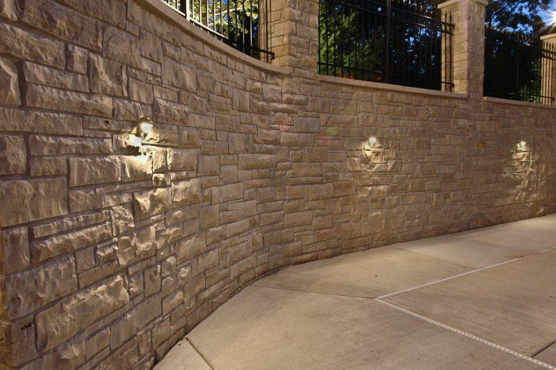 Stucco With Stone Accent Retaining Wall Lighting