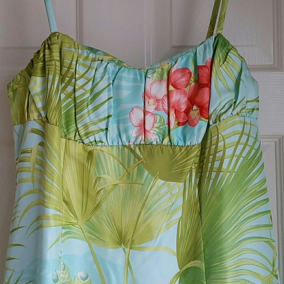 Tommy Bahama dress Beautiful island print dress. Worn once to a bridal shower. Tommy Bahama Dresses