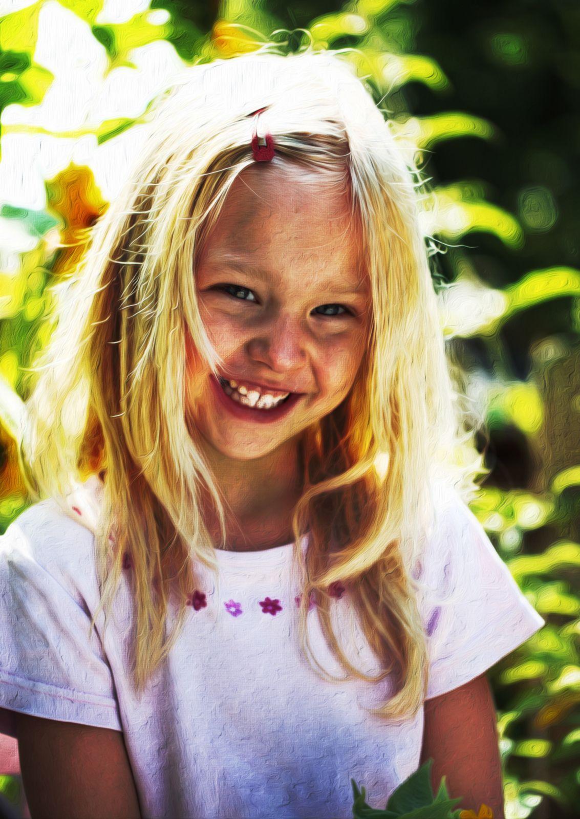 Das Weihnachtsgeschenk – Kinderportrait vom Foto.