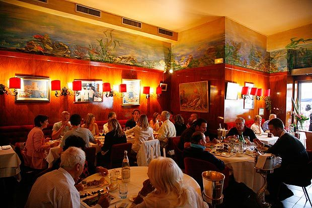 Best bouillabaisse restaurant miramar in the le vieux port area of marseille bouillabaisse - Restaurant bouillabaisse marseille vieux port ...