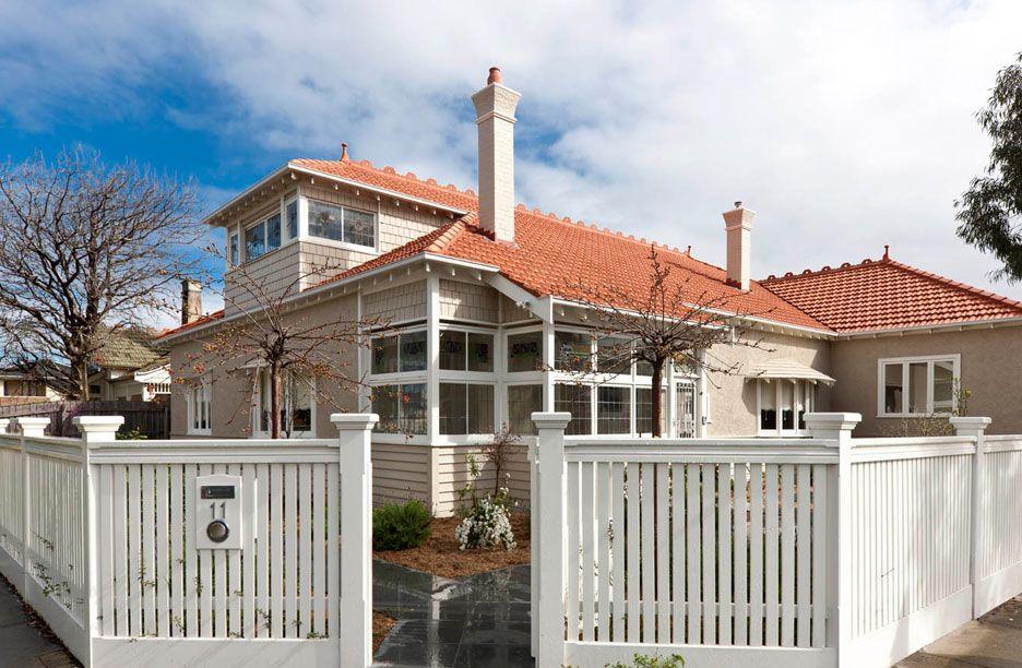 Dulux colour scheme walls self destruct trim vivid white fence antique white usa for Dulux exterior paint colours for houses