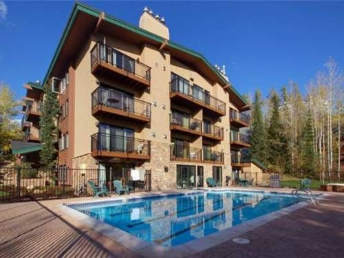 Scandinavian Lodge And Condominiums 101 Steamboat Springs Colorado Located 1 6 Km From Steambo Steamboat Ski Resort Steamboat Springs Colorado Outdoor Pool