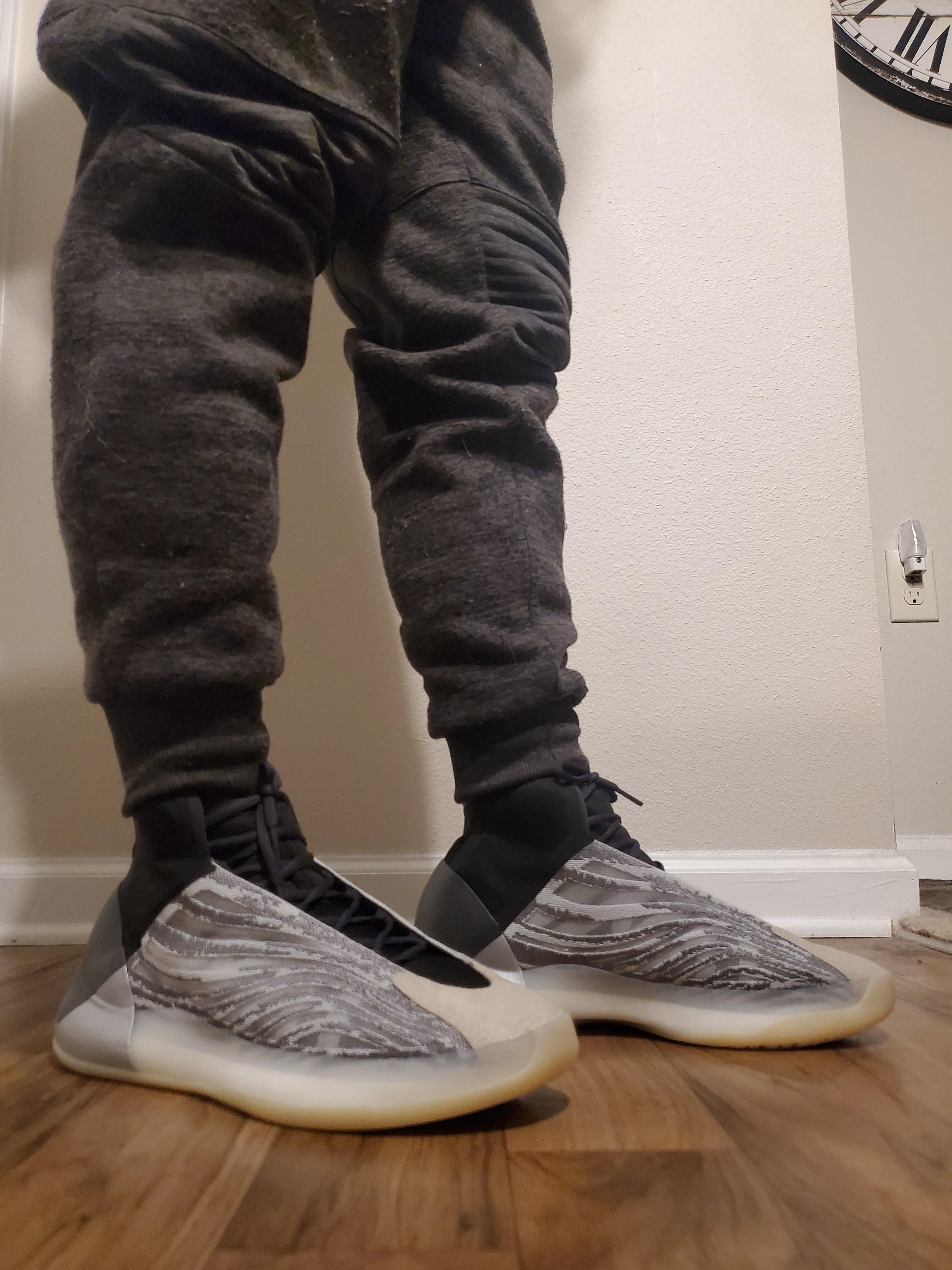 Yeezy Qntm Sneakers Sneakersfashion Sneakersoutfit Sneakershead In 2020 Sneakers Fashion Outfits Sneakers Fashion Athletic Shoes Outfit