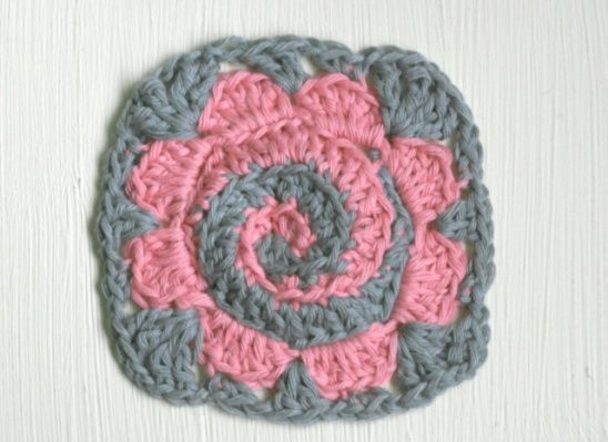 Crochet Granny Square Pattern By Claireabellemakes Granny Squares