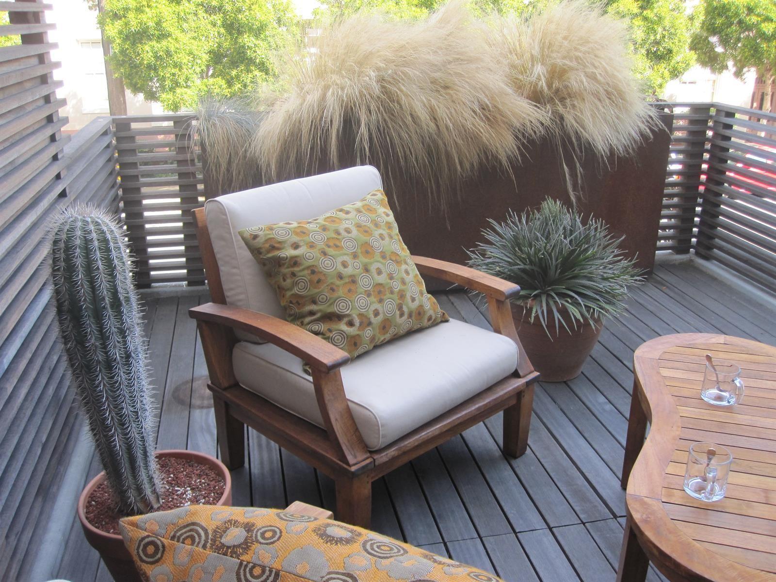Jardinière rectangulaire haute et étroite en acier corten dans ...