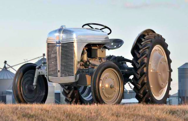 rare aluminum ford 9n tractor parts were made due to. Black Bedroom Furniture Sets. Home Design Ideas