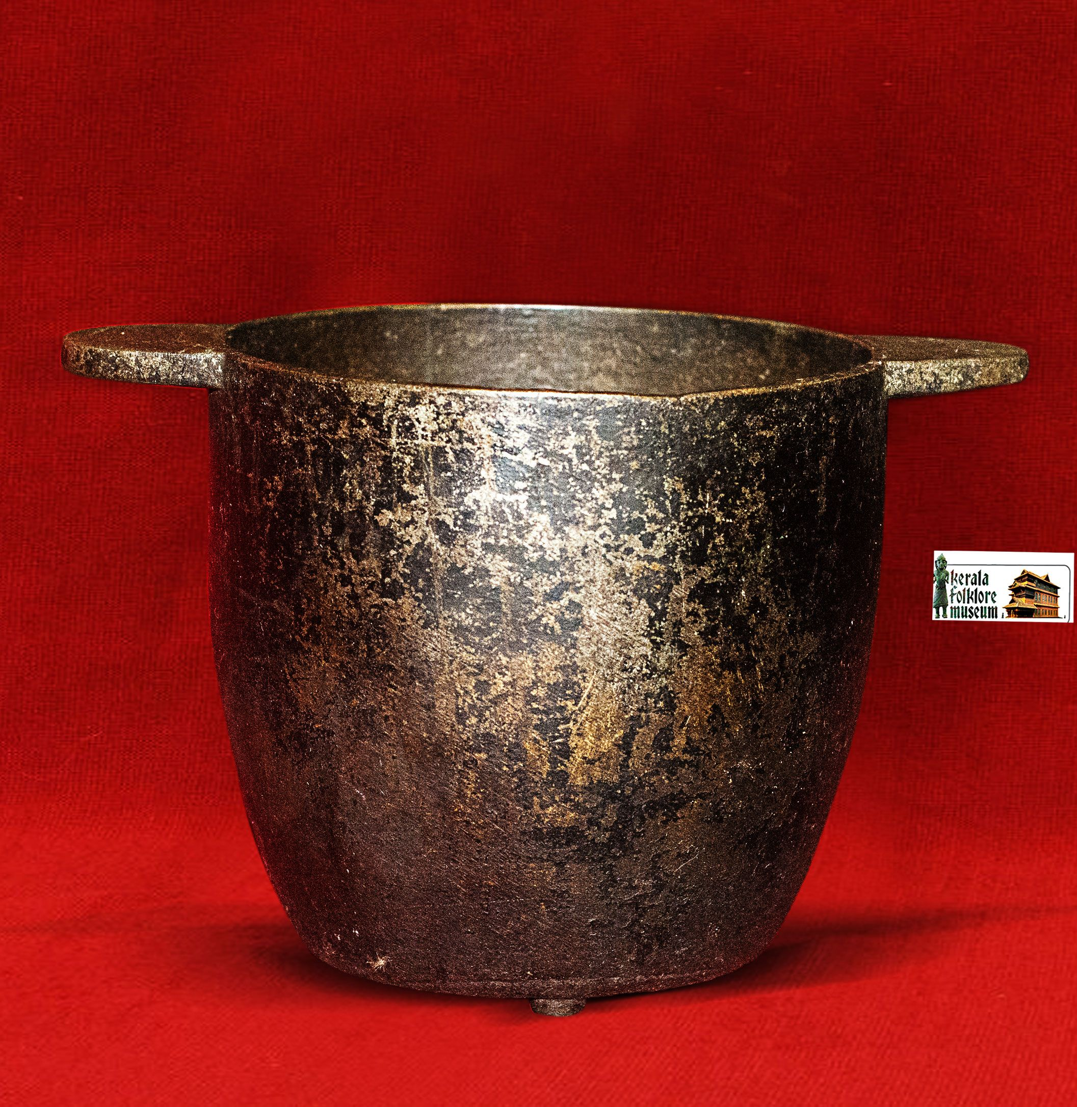 Antiques Kerala Antique Bronze Utensil Collections Keralafolkloremuseum In 2020 Moscow Mule Mugs Antiques Glassware