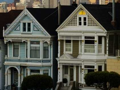 Two Very Different Us Housing Markets Business Insider So Whats New Housing Market House Styles Foreclosures