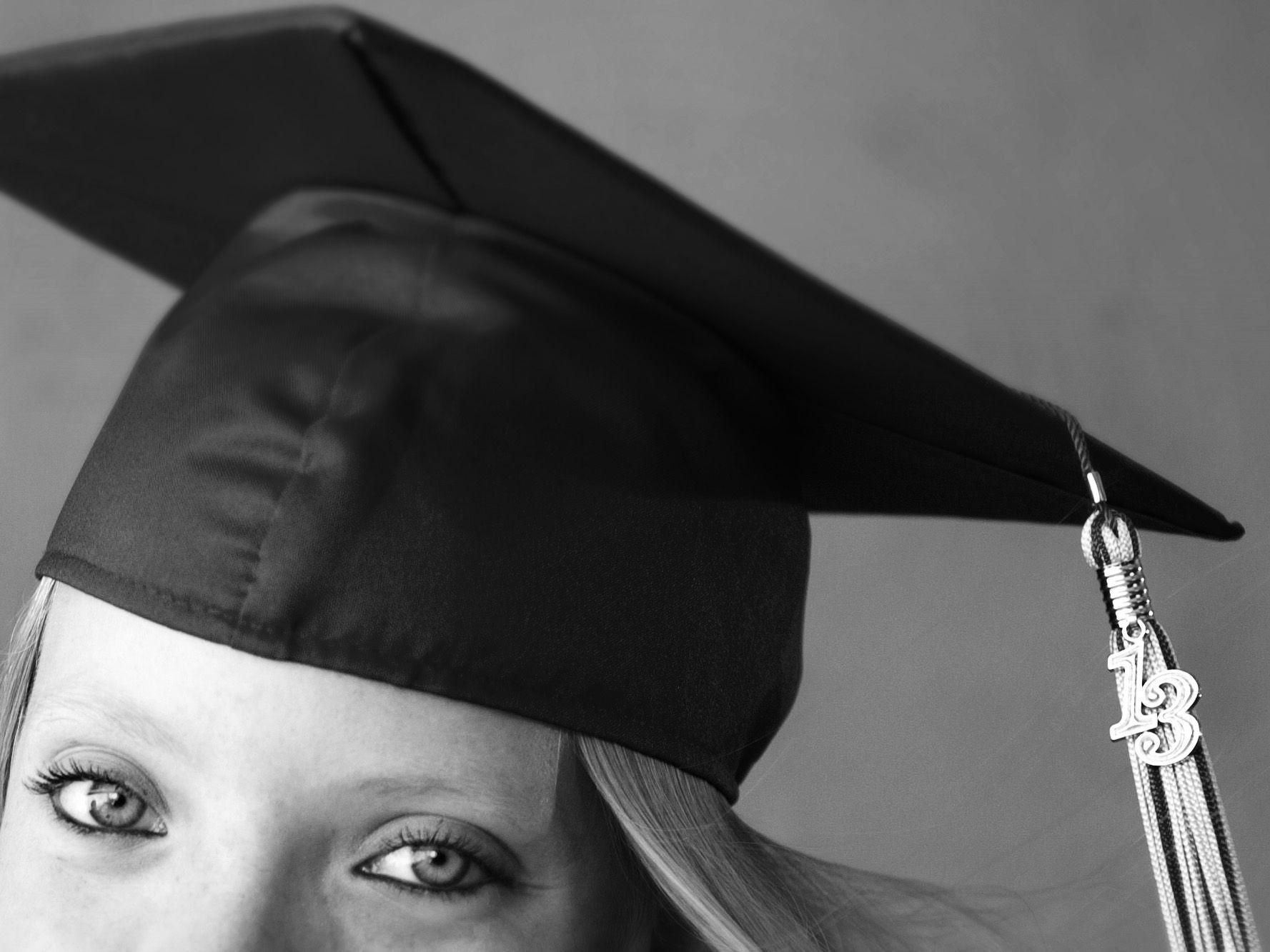 cute cap & gown   senior photo shoots   Pinterest   Cap, Portrait ...