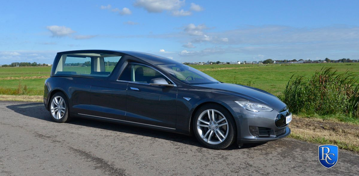 A Few Weeks Ago We Reported A New Tesla Model S Hearse Concept Commissioned By A Funeral Transport Company Based In The Nethe Tesla Model S Tesla Model Hearse
