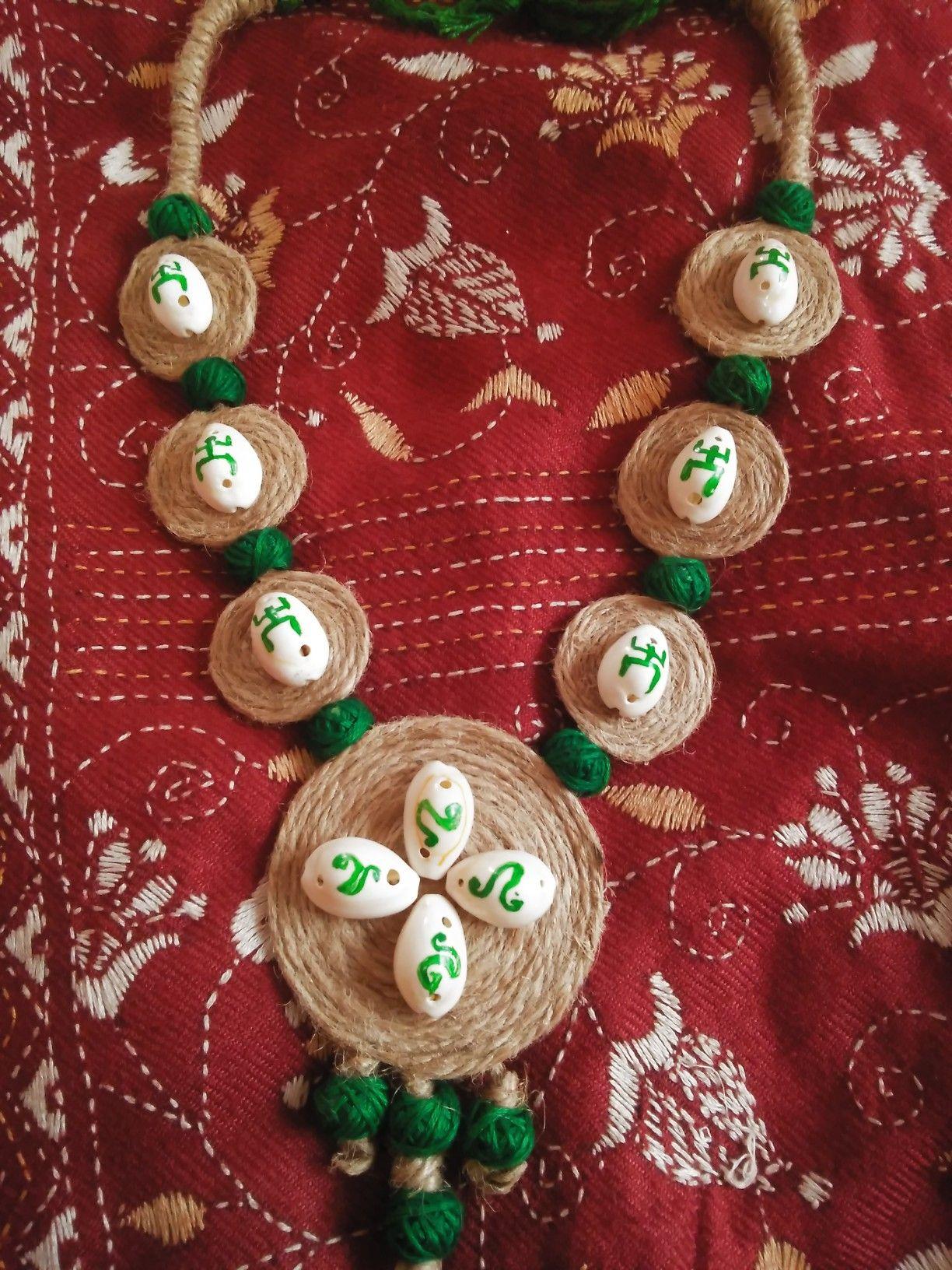 Jute necklace set   Colorful handmade jewelry, Handmade jewelry designs,  Handmade jewelry diy
