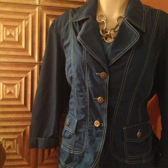 Clearance-CHICOS Sz 3... Structured blue jacket NWOT... Cute for spring ...Light stretch..slimming.. Gives great shape...Final sale- no offers additional discounts or returns CHICOS Tops
