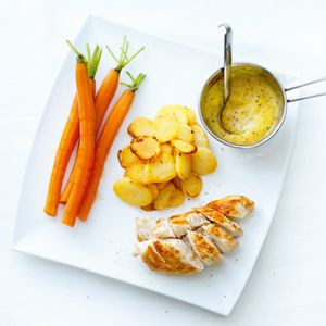 Kerrie kip met zoete worteltjes (ook kinderen vinden dit gerecht heerlijk).  Tip: besprenkel ook de kip met Honing.