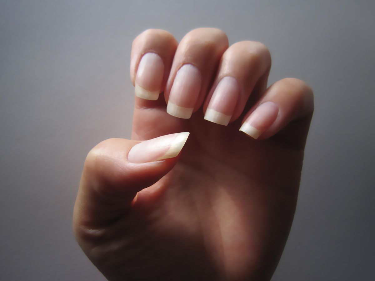 How To Grow Beautiful And Healthy Nails Naturally Healthy Nails Long Nails Natural Nails