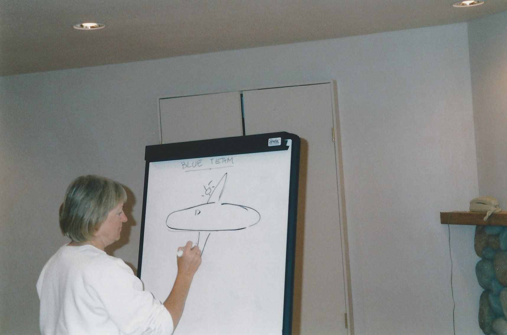 Office Pictionary, what do you think she's drawing?