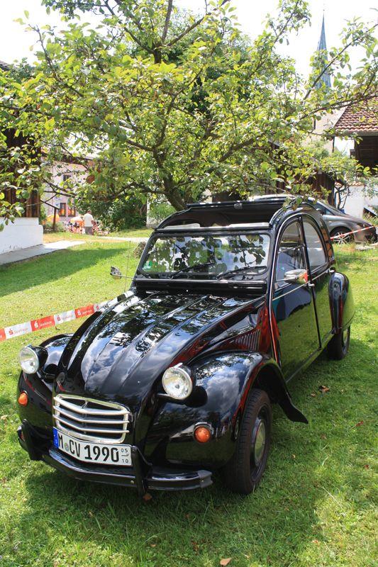 #2CV Citroën • #Ente • schwarz