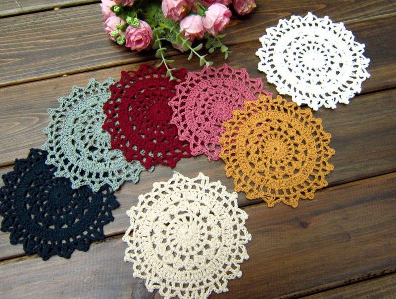 Résultats Google Recherche d'images correspondant à http://i01.i.aliimg.com/wsphoto/v0/703607457/wholesale-100-cotton-handmade-Doily-mat-11cm-crochet-cup-mat-coaster-20pcs-lot-7-colors-you.jpg