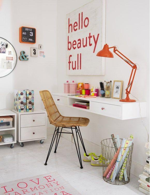 Zona de estudio y almacenaje en habitación infantil - Mujer Hoy