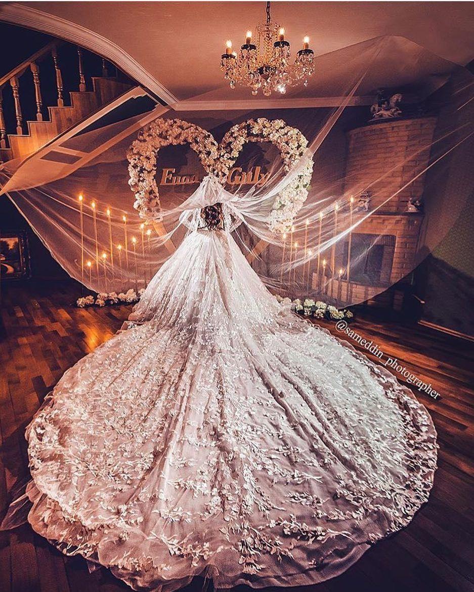 самые дорогие и красивые свадебные платья фото места завидным