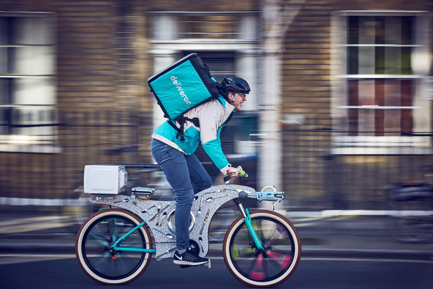 Street Kitchen This Upcycled Bike Has 34 Utensils Upcycled